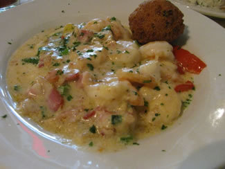 Jonah 39 s fish and grits restaurant reviews 109 e jackson for Fish and grits